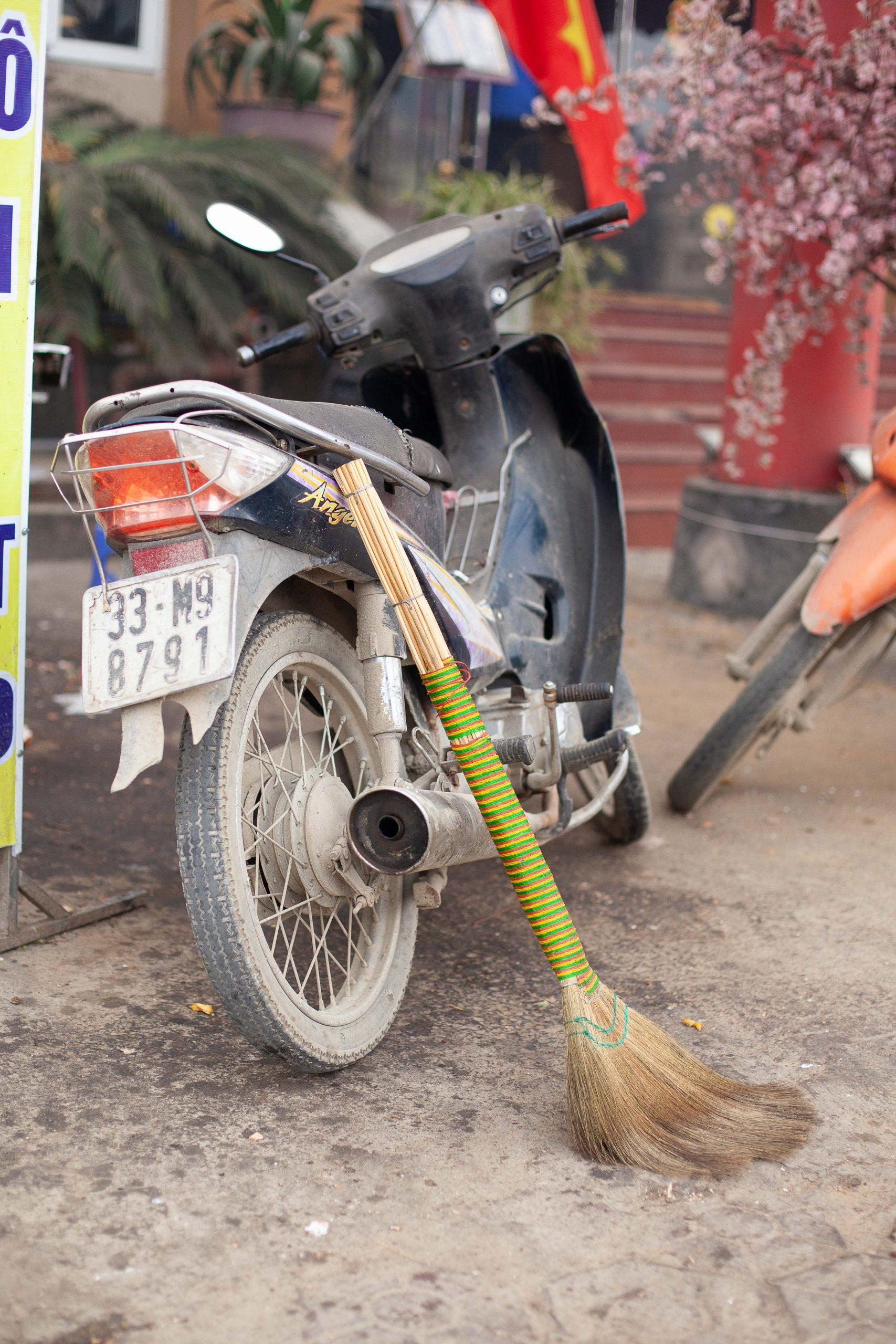 Broomstick-compositions-vietnam-26-of-40
